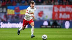 2. Timo Werner (25 gol) - Memasuki laga pekan ke-32 Bundesliga, Timo Werner telah menyumbangkan 25 gol untuk skuat RB Leipzig di musim ini.  (AFP/Ronny Hartmann)