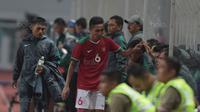 Pemain Timnas Indonesia U-23, Evan Dimas saat melawan Suriah U-23 pada laga persahabatan di Stadion Wibawa Mukti, Bekasi, Rabu (16/11/2017). Indonesia kalah 2-3. (Bola.com/NIcklas Hanoatubun)