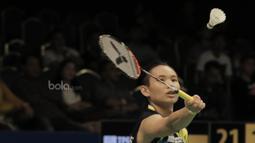 Tunggal putri China Taipei, Tai Tzu Ying, mengalahkan tunggal putri Indonesia, Gregoria Mariska Tunjung pada laga Indonesia Open 2017 di JCC, Kamis, (15/6/2017). Gregoria kalah 13-21 dan 16-21. (Bola.com/M Iqbal Ichsan)