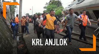 KRL Jakarta-Bogor mengalami anjlok pagi ini. Korban luka dievakuasi.