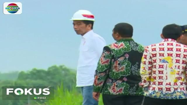 Selain meninjau hasil rehabilitasi irigasi di Desa Lodoyo, Jokowi juga menyempatkan diri berziarah ke makam Bung Karno di Kelurahan Bendogerit, Blitar.