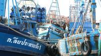 Kapal-kapal itu terlihat sangat besar dan telah dilengkapi berbagai teknologi mumpuni dibandingkan kapal nelayan Indonesia. (Liputan6.com/Richo Pramono)