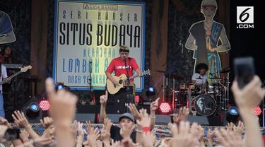 Seri Konser Situs Budaya Iwan Fals dan Band berlangsung semarak, Sabtu (3/3/2018).
