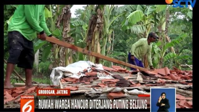 Angin puting beliung juga melanda Kabupaten Karanganyar, Jawa Tengah.