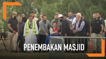 Pangeran Harry dan Meghan Markle ikut berduka dengan penembakan umat muslim di masjid di Christchurch, Selandia Baru.