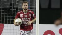 3. Melvin Platje (Bali United) - Platje menjadi pemain terpenting Bali United di laga Shopee Liga 1. Penyerang berusia 31 tahun ini adalah top scorer klub untuk sementara ini. (Bola.com/Yoppy Renato)