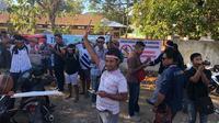 Tujuh Fraksi DPRD Kabupaten Manggarai Barat (Mabar) sepakat menolak pembangunan sarana wisata alam di kawasan Taman Nasional Komodo (TNK), di Pulau Rinca oleh PT. Segara Komodo Lestari.