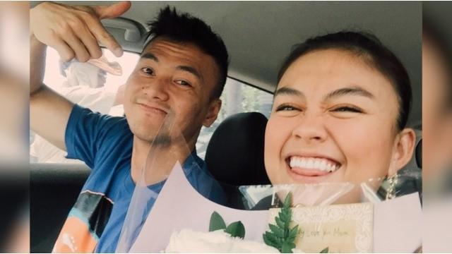 Kejutan ulang tahun Wijin tersebut diberikan Agnez Mo sekaligus dalam rangka merayakan lima bulan hubungan mereka.