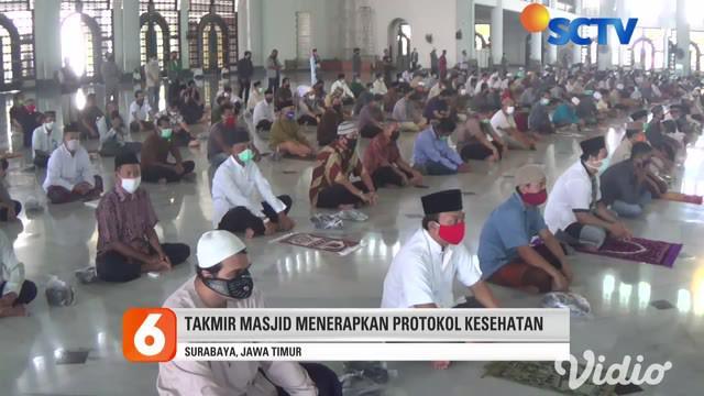 Masyarakat muslim di Surabaya bisa kembali menjalankan ibadah di Masjid Nasional Al Akbar di tengah-tengah Pandemi Covid-19 atau Corona. Masjid Nasional Al Akbar Surabaya kembali menyelenggarakan salat Jumat dan Tarawih mulai pada Jumat (15/5).
