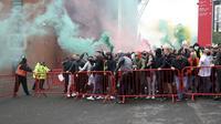 Demo Fans MU Rusuh, Old Trafford Jebol (AP)