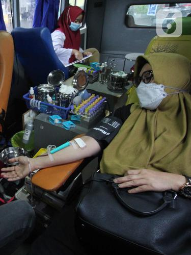 FOTO: PMI Kerahkan Mobil Donor Darah Keliling Selama Ramadan