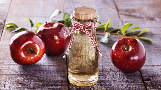 Cara Menggunakan Cuka Apel Untuk Jerawat Punggung