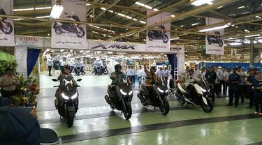 Yamaha XMax yang diproduksi di pabrik Yamaha Pulogadung di ekspor ke Eropa dan beberapa negara lainnya. (Arief/Liputan6.com)