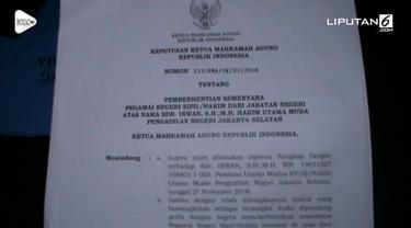 Mahkamah Agung (MA) resmi memberhentikan sementara dua hakim dari PN Jakarta Selatan dan satu panitera pengganti dari PN Jakarta Timur terkait operasi tangkap tangan OTT KPK.