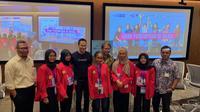 Usman Kansong, Naura, Sabrina, Randy Jusuf, Rudiantara, Riska, Wafi, Manda dan Nezar Patria dalam konferensi pers #GirlsTakeover oleh Yayasan Plan Indonesia yang dilaksankan di kantor Google indonesia, SCBD, Jakarta Selatan pada Kamis (10/10/2019).