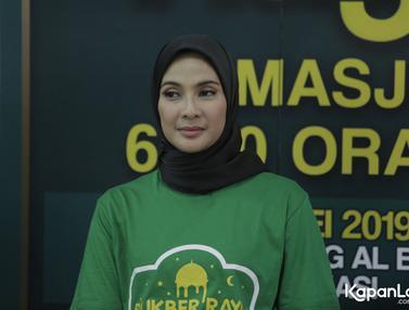 Potret Maudy Koesnaedi Kenakan Hijab