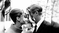 10 sosok ternama di Hollywood ini membuktikan bahwa cinta itu lebih dari sekedar fisik mereka saja. Siapa sajakah mereka?