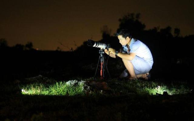 Pilih lokasi yang tepat untuk melihat gerhana bulan/copyright liputan6.com/Musthofa Aldo