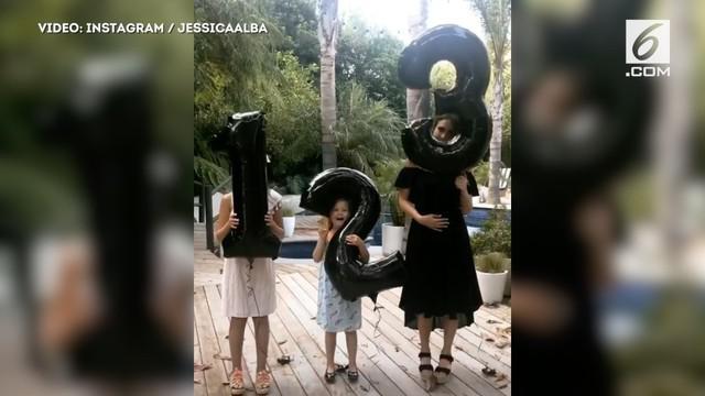 Sebelumnya Jessica telah memiliki dua anak, Honor berusia 9 tahun dan Haven berusia 5 tahun.