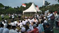 Rembug Nasional Aktivis 1998 berziarah dan tabur bunga di Tempat Pemakaman Umum (TPU) Pondok Rangon, Jakarta Timur.(Istimewa)