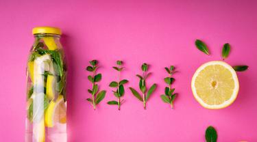 6 Manfaat Infused Water Lemon Dan Timun Serta Cara Membuatnya Hot Liputan6 Com