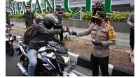 Cegah Penyebaran Covid-19, 2.000 Hand Sanitizer Disumbangkan Ke Warga Sleman. foto: istimewa