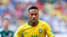 1. Neymar Jr - Target yang paling digemborkan oleh media dunia. Neymar juga dikabarkan sudah tidak betah lagi berduet dengan Edinson Cavani di PSG. (AFP/Benjamin Cremel)