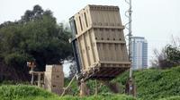 Baterai sistem pertahanan antiroket Iron Dome yang ditempatkan di dekat Tel Aviv, Israel. (Xinhua/JINI/Gideon Markowicz)