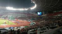 Suasana Stadion Utama Gelora Bung Karno (SUGBK) saat perlombaan cabang olahraga atletik Asian Games 2018, Sabtu (25/8/2018) malam.