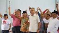 Calon Gubernur Jawa Tengah, Ganjar Pranowo di Temu Kangen Pecinta Unggas di Kaliwungu, Kendal. (Dok. Tim Media Ganjar - Taj Yasin)
