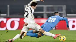 Striker Juventus, Alvaro Morata, melakukan selebrasi usai mencetak gol ke gawang Spezia pada laga Liga Italia di Stadion Allianz, Selasa (2/3/2021). Juventus menang telak 3-0. (Marco Alpozzi/LaPresse via AP)