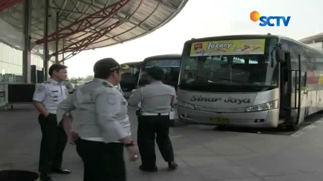 Dinas Perhubungan Terminal Bus Terpadu Pulogebang melakukan uji kelayakan bus angkutan Lebaran.