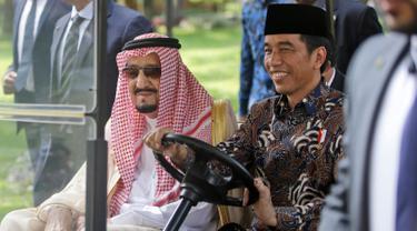 Presiden Jokowi Ajak Raja Salman Keliling Istana Merdeka-Jakarta-Pool-20170302