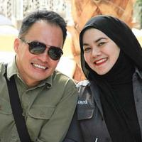 Sarita dan Faisal Harris [foto: instagram/shakillaastari]