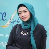 Ssst, Intan Widya Kasih Bocoran Sampo Hijab yang Lagi Hype Banget Nih!