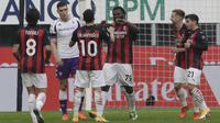 AC Milan meraih kemenangan dua gol tanpa balas atas Fiorentina pada laga pekan kesembilan Serie A di San Siro, Minggu (29/11/2020) malam WIB. (AP Photo/Luca Bruno)
