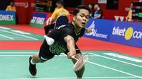Aksi Tunggal putra Indonesia, Anthony Sinisuka Ginting, pada perempat final Indonesia Masters 2020, Jumat (17/1/2020). (PBSI)