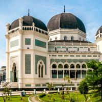 Anti-Mainstream Liburan ke Medan, Wisata Kolam Renang Air Asin Ini Bisa Dicoba