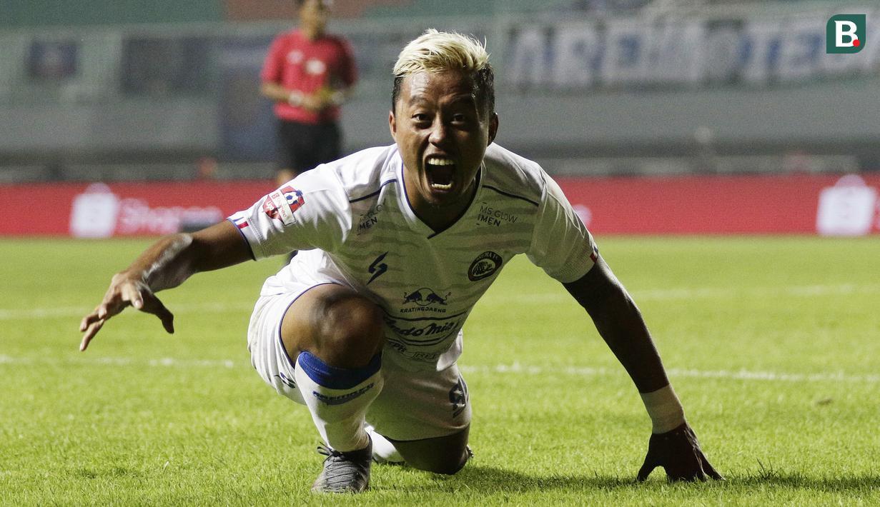 FOTO Selebrasi Unik Kushedya Hari Yudo Saat Bawa Arema FC