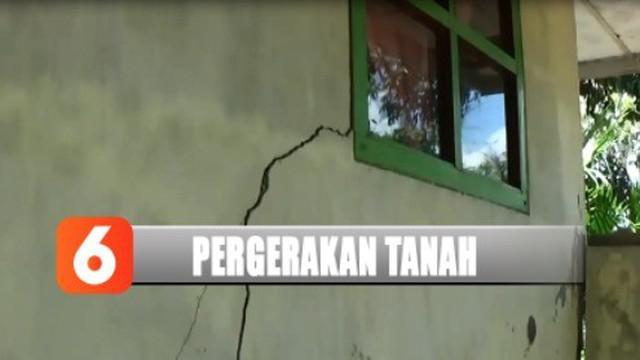 Warga pun khawatir rumah sesaat roboh jika dilanda hujan deras di musim penghujan nanti.