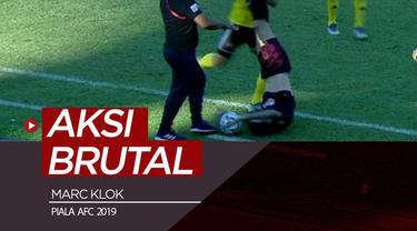 Berita video insiden gelandang PSM Makassar, Marc Klok, ditendang secara brutal oleh pemain Kaya FC di Piala AFC 2019, Rabu (17/4/2019).