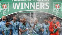 Manchester City menjadi juara Piala Liga Inggris setelah menang adu penalti atas Chelsea di Wembley, London, Minggu (24/2/2019). (AFP/Adrian Dennis)