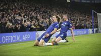 Bek tengah Chelsea, David Luiz, merayakan gol yang dicetaknya ke gawang Manchester City dalam laga lanjutan Premier League di Stamford Bridge, Minggu (9/12/2018). (AP Photo/Tim Ireland)