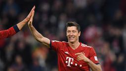 2. Robert Lewandowski (Bayern Munchen) – 8 gol (AFP/Christof Stache)