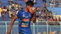 Bek sayap Arema FC, Ahmad Alfarizi. (Bola.com/Iwan Setiawan)