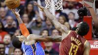 Oklahoma City Thunder vs Houston Rockets (AP Photo/Eric Christian Smith)
