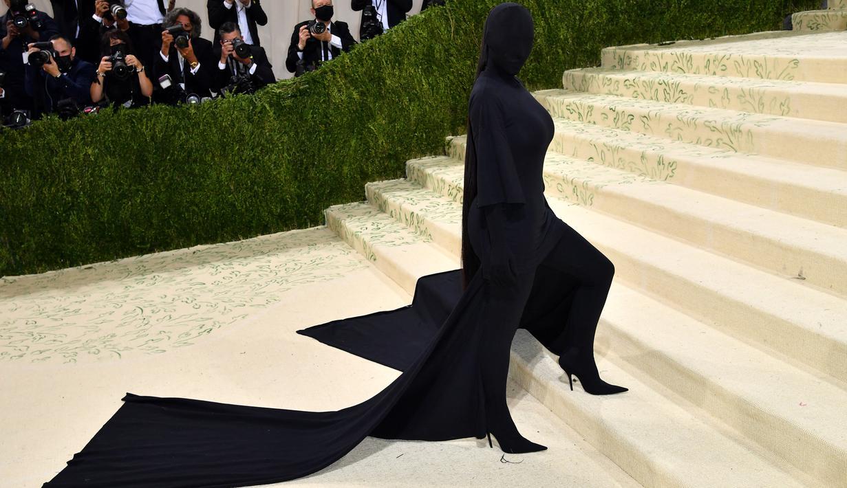 FOTO: Gaya Kim Kardashian Tanpa Wajah di Met Gala - Lifestyle Liputan6.com