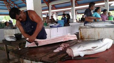 Perburuan Ikan Hiu di Kepulauan Sangihe