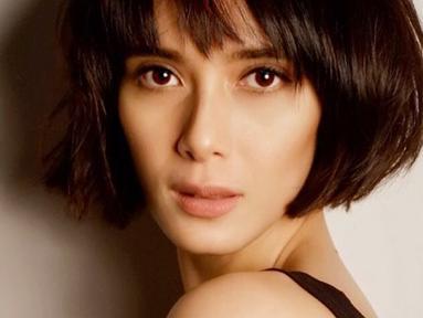 Sebagai seorang model, istri dari Fachri Albar ini pun kerap mengubah gaya rambut. Dengan gaya rambut pendek, Renata Kusmanto nampak lebih fresh dan awet muda. (Liputan6.com/IG/@renata711)