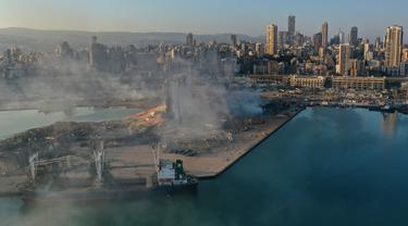 Pandangan Udara dari Pelabuhan Beirut Usai Ledakan
